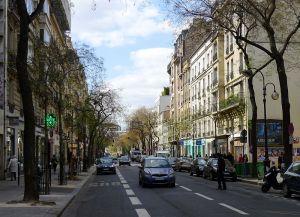 800px-P1090691_Paris_XIV_rue_d'Alésia_rwk