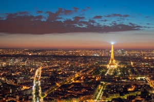 Eiffel_Tower_from_the_Tour_Montparnasse,_1_May_2012_N1