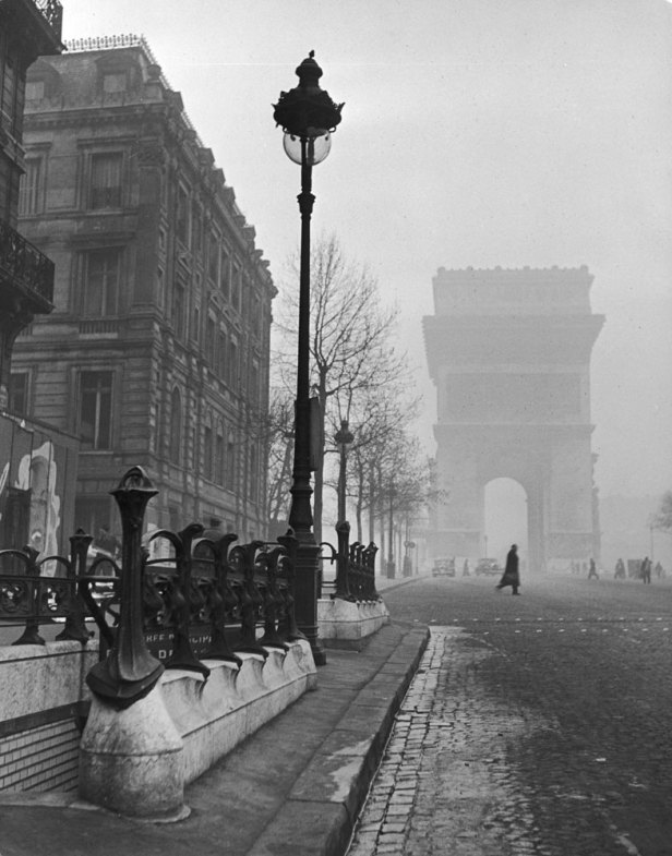 131121-paris-1946-arc-de-triomphe-02