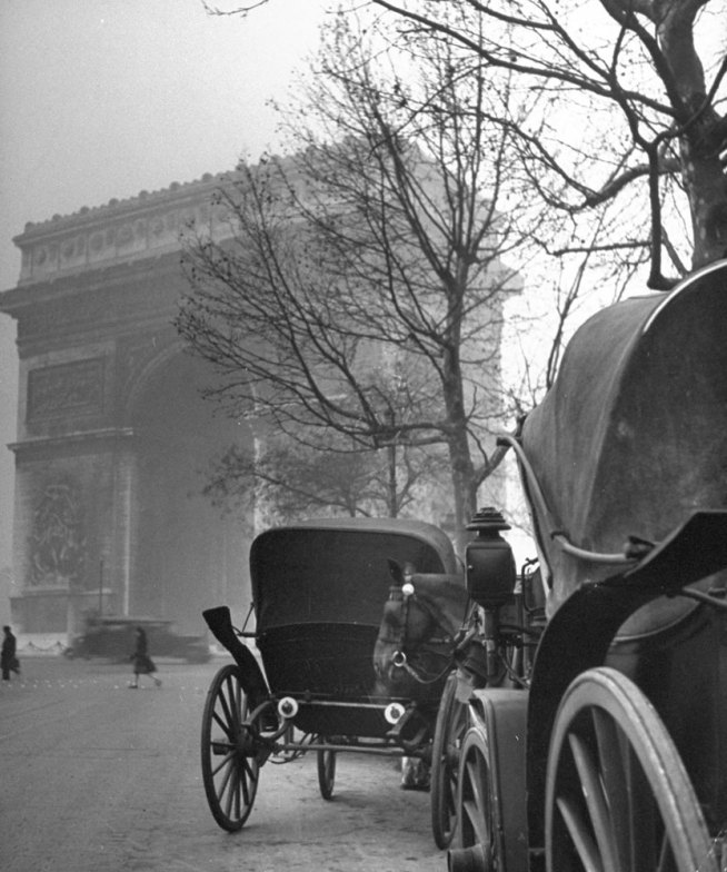 131121-paris-1946-arc-de-triomphe-05