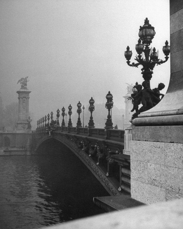 131121-paris-1946-pont-alexandre-bridge-09
