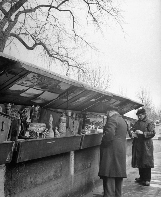131121-paris-1946-vendors-08
