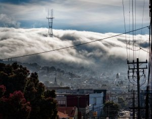 Twin-Peaks-foggy-radio-tower-from-Portrero-Hill